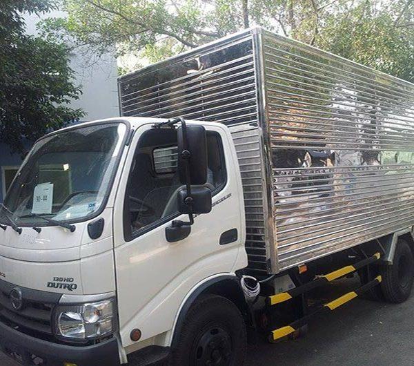 xe-tai-hino-dutro-342L-130-thung-kin-4