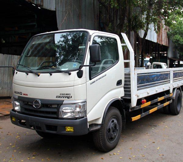 xe-tai-hino-dutro-300-thung-lưng